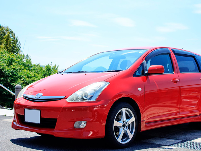 赤い中古車